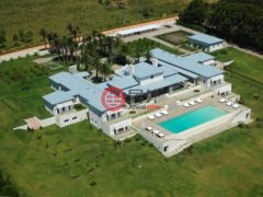 居外网在售乌拉圭Barra de Maldonado7卧9卫的房产总占地50000平方米