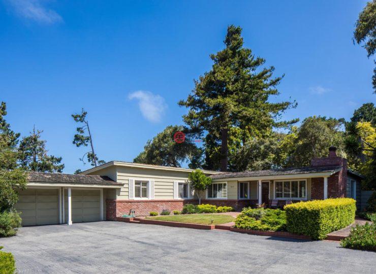 美国加州圆石滩3卧2卫的房产