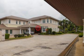 居外网在售泰国5卧5卫曾经整修过的房产总占地3340平方米THB 180,000,000