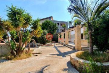 居外网在售塞浦路斯6卧6卫局部整修过的房产总占地6880平方米EUR 1,850,000