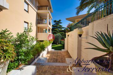 居外网在售法国戛纳2卧1卫的房产总占地19平方米EUR 365,000