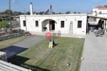 居外网在售希腊3卧1卫最近整修过的房产总占地1000平方米EUR 300,000