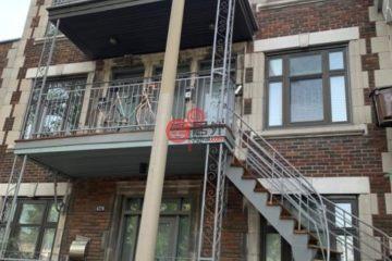 居外网在售加拿大3卧2卫曾经整修过的多单元总占地214平方米CAD 1,688,888