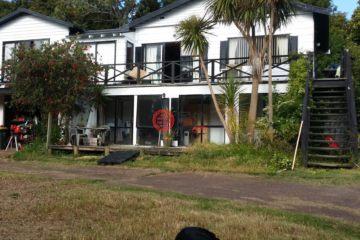 居外网在售新西兰6卧2卫原装保留的房产总占地3015平方米NZD 1,700,000