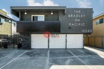 居外网在售美国洛杉矶10卧13卫的房产总占地697平方米USD 6,350,000